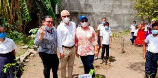 nicaragua, embajador de chile, colegio grabriela mistral, acto, donacion