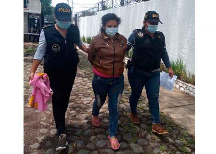 guatemala, captura, madre, golpes, hija, policia, videos,