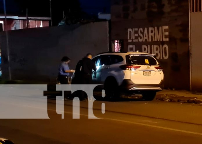 Nicaragua, managua, policía, camioneta abandonada,