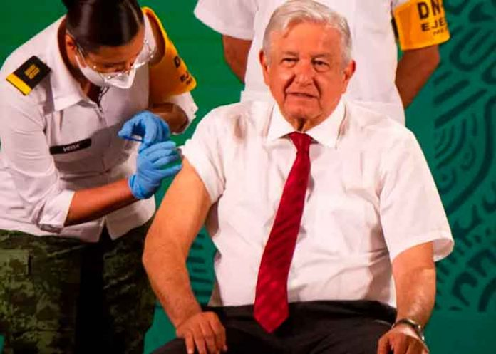mexico, presidente, recibo, segunda vacuna, covid, pandemia,
