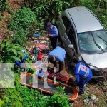 nicaragua, managua, pista suburbana, precipitacion, carro, cauce,