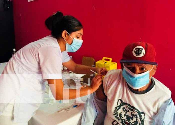 Nicaragua, chinandega, Minsa, vacunación voluntaria, covid-19,