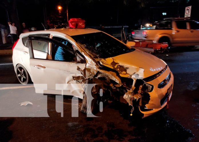 Una persona herida y daños materiales deja una fuerte colisión en Managua / FOTO / TN8