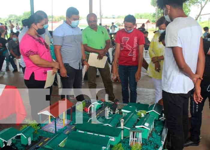 Nicaragua, bluefields, centro tecnológico, feria inovatec,