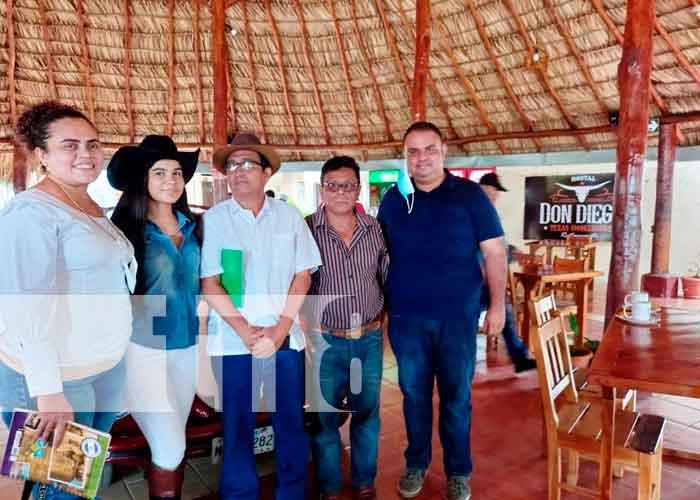 Nicaragua, chinandega, desfile hípico, recreación sana,