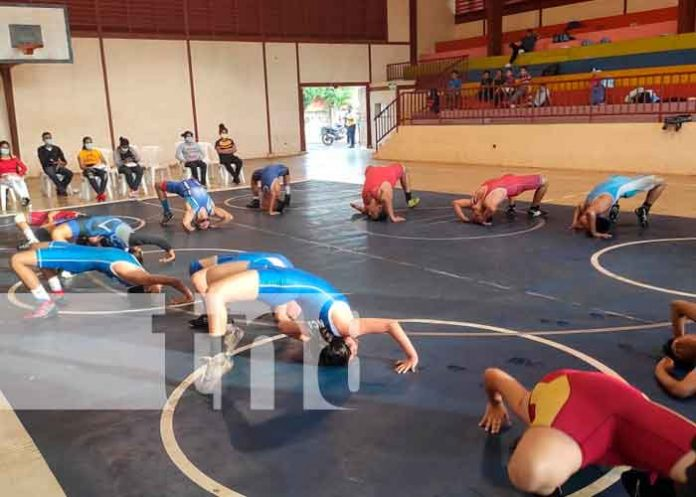 nicaragua, juigalpa, academia de lucha olímpica, autoridades,