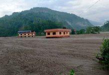 Asia, Nepal, temporadas de monzones, 50 desaparecidos,