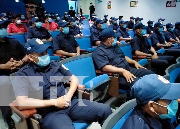 Nicaragua, bomberos, egresados, primeros auxilios,