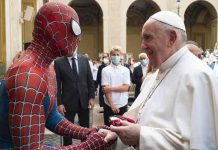 roma, spiderman, papa francisco, visita,