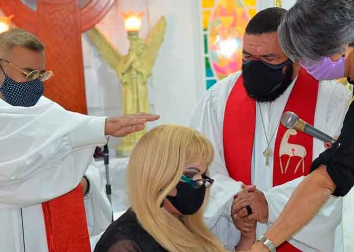brasil, pastora, iglesia, trans, lider, jaqueline chanel,