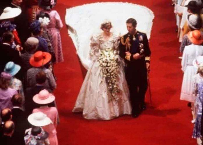 londres, fotos, museo, exposicion, princesa diana, vestido de novia, viral,