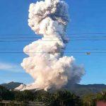 costa rica, volcan rincon de la vieja, erupcion, cenizas,
