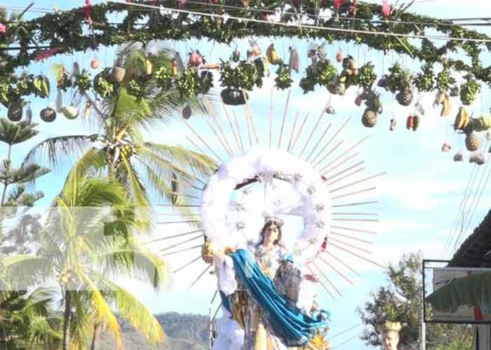 Autoridades municipales que este año se disponen a celebrar una vez mas las Fiestas dedicadas a la Virgen de la Asunción