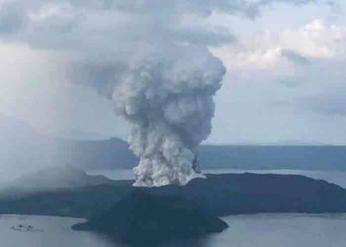 filipinas, volcan taal, alerta, erupcion,