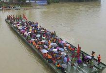 Foto: Sobrevive 3 días en estacionamiento subterráneo inundado en China / Referencia