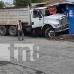 Foto: Camión fuera de control termina dentro de pulpería en Somoto / TN8