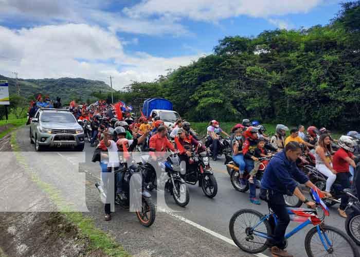 Caravana en celebración del 42/19 en Jinotega