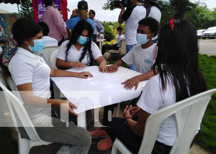 Foto: MINJUVE desarrolla espacio creativo con jóvenes en riesgo / TN8