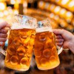 ¿Qué es mejor para combatir el calor: un té caliente o una cerveza fría?