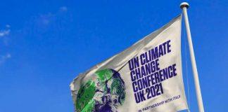 Bandera con logo de Cumbre por el Clima COP 26