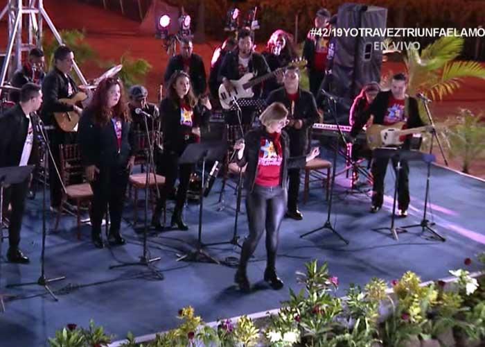 Concierto durante el acto del 42/19 en la Plaza de la Revolución
