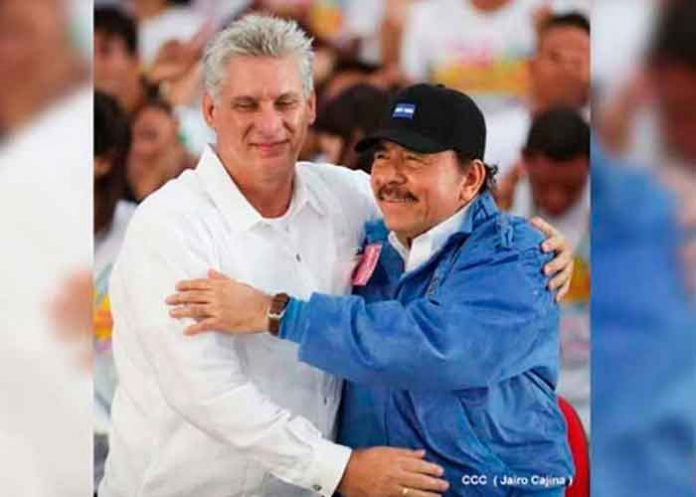 Presidente de NIcaragua Daniel Ortega junto al mandatario de Cuba