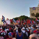 Cubanos se manifiestan en defensa de la Revolución