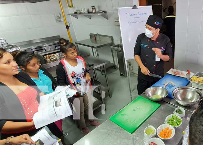 Curso sobre productos del mar en Managua