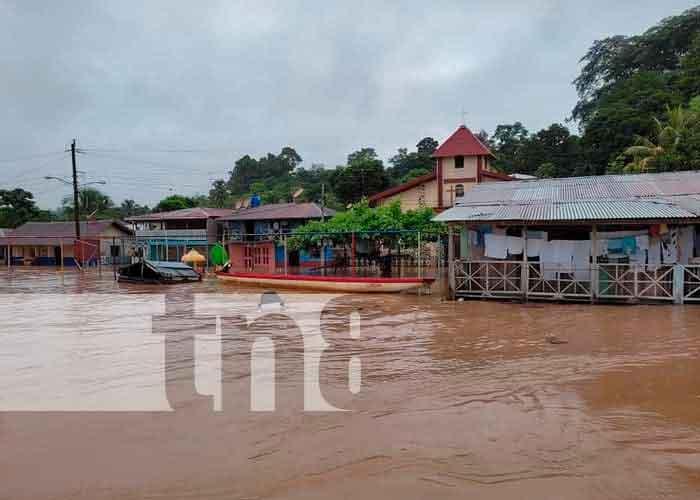 Intensas lluvias causan grandes inundaciones en El Castillo Río San Juan