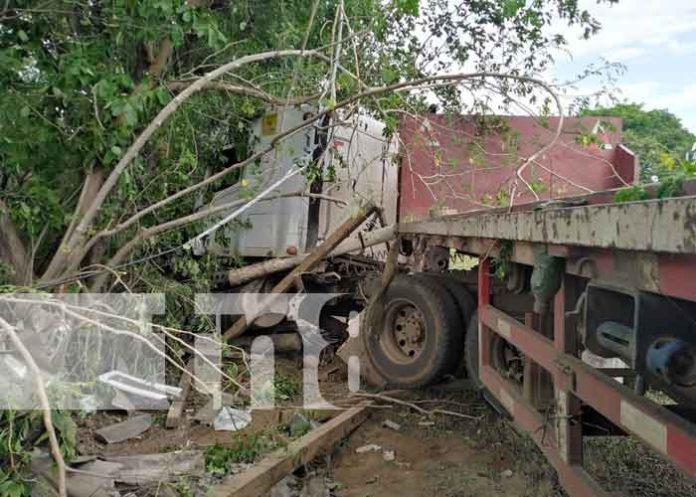 Escena del mortal accidente de tránsito en Carretera Nueva a León