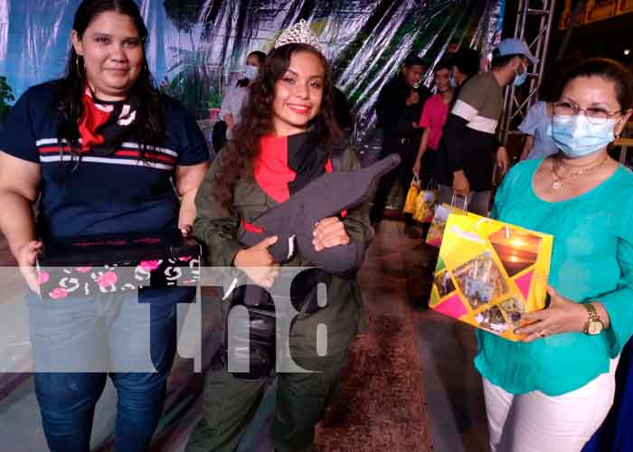 """Granada elige a la nueva """"Chica Revolución 42/19, 2021"""" / FOTO / TN8"""