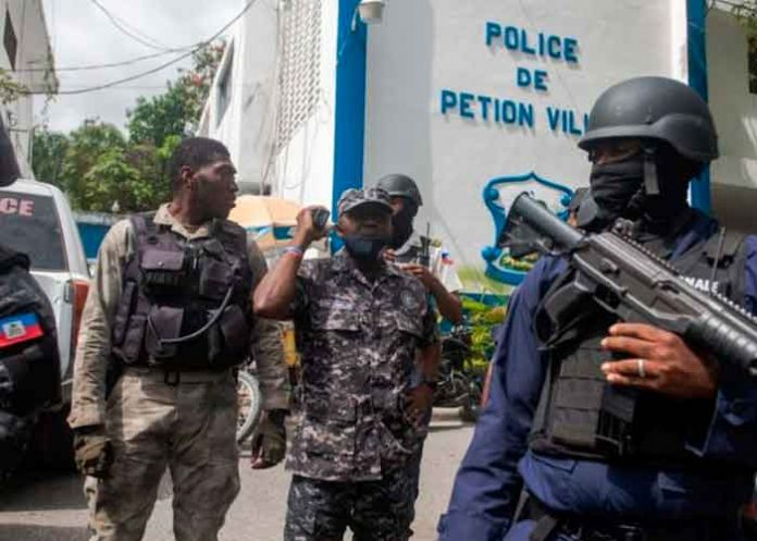 Foto: Arrestan a dos policías y un civil por el magnicidio en Haití/Cortesía