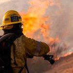 Incendios forestales arden en 10 estados del oeste de EE.UU