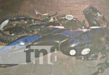 termina lesionado al perder el control de su motocicleta en Jalapa