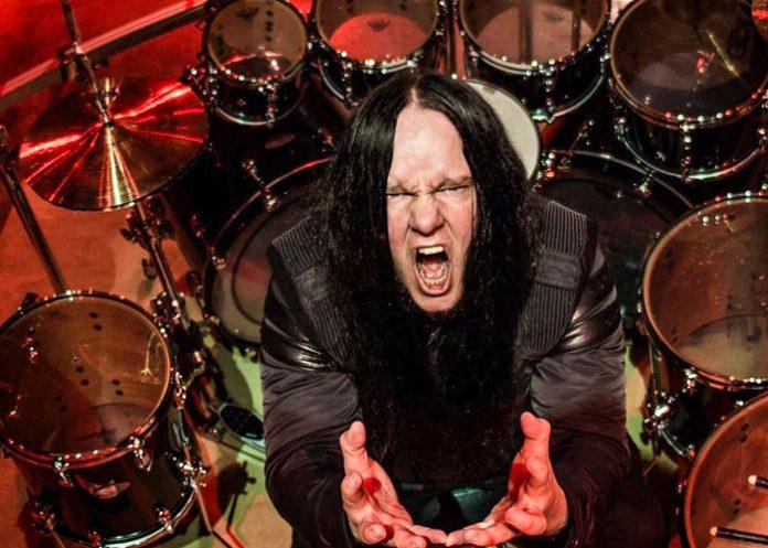 Foto: Fallece Joey Jordison, exbaterista de Slipknot / Referencia