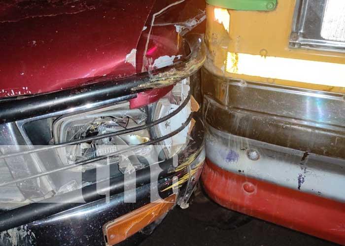 Aparatosa colisión en Juigalpa, Chontales