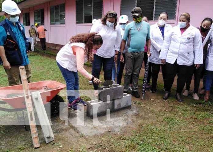 Recorrido por donde se mejora la clínica provisional en Kukra Hill