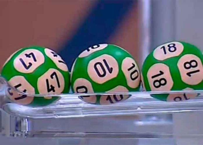 tendencia, loteria, premio, pareja britanica, adrian y Ggllian bayford, viral,
