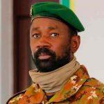 Presidente interino de Malí resulta ileso de ataque con cuchillo
