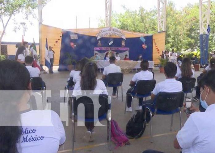 Acto del Instituto Experimental México por el Día del Estudiante