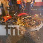 Foto: Motociclista vivo de milagro tras chocar contra una camioneta en Matagalpa/TN8