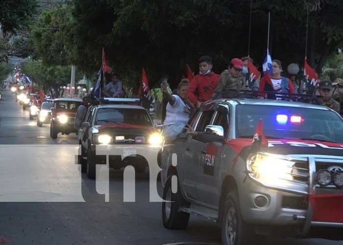 Población celebra el 42/19 de la Revolución