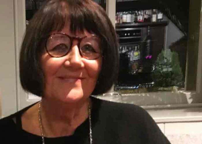 Inglaterra: Mujer es acusada de apuñalar a su madre y cortar el cadáver