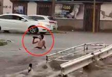 ¡Si miedo al éxito! Con cerveza en mano hombre enfrenta inundación en México