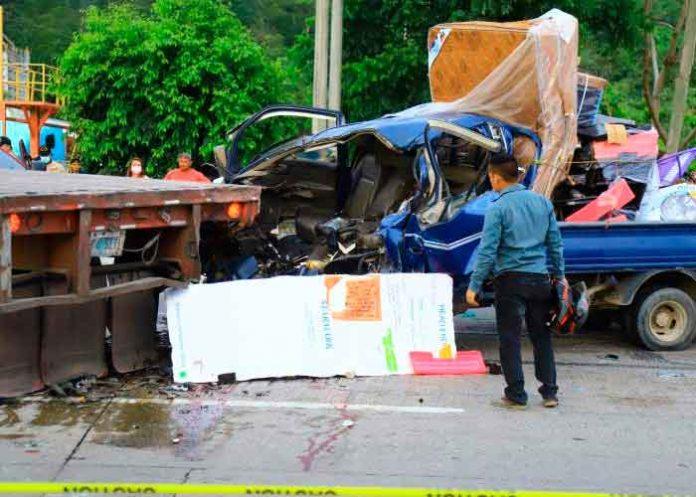 Mueren dos comerciantes mutilados en brutal choque en Honduras