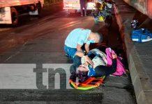 """""""Iba para su casa"""": Joven termina lesionada tras derrapar en su moto / FOTO / TN8"""