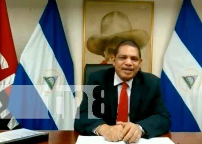Foto: Iván Acosta expone el plan de desarrollo humano /TN8
