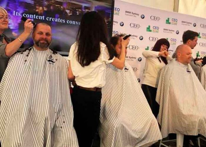 Peluquería usa el pelo cortado para absorber derrames de petróleo, limpian y salvan océanos