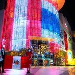 Peruanos celebrando el bicentenario de su independencia