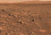 Hallan un extraño objeto que sobresale de una roca de Marte / FOTO / mars.nasa.gov/